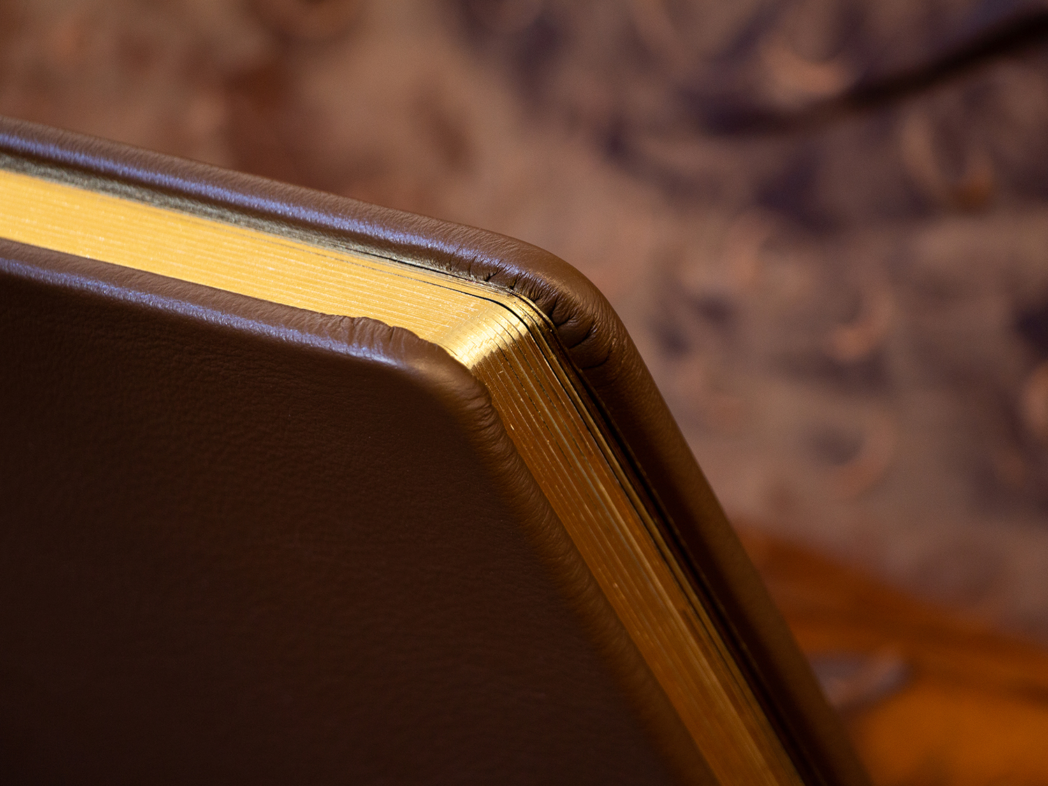 Round Cornered Gold Gilded Pages
